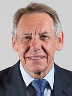 Photograph of Cllr Roger Elkins