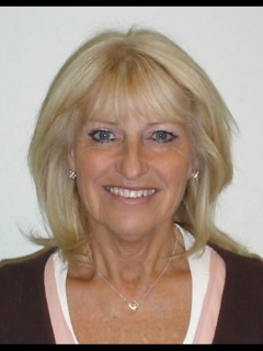 Photograph of Cllr Dee Simson