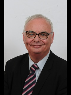 Cllr Stephen Burns