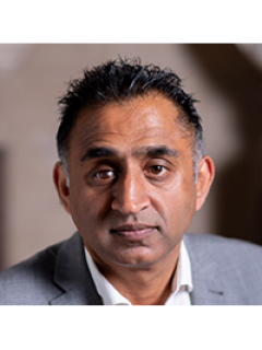 Photograph of Cllr Fiaz Riasat