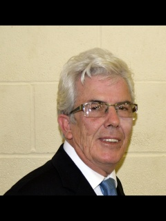Cllr Robert  Hall (UK I P)